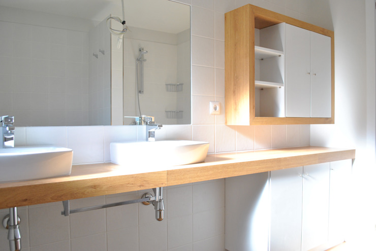 Scandinavian style bathroom by Estudio de Arquitectura Sra.Farnsworth Scandinavian