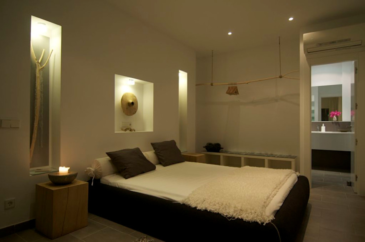 Casa Geniol – Punta de la Mona Dormitorios de estilo moderno de SH asociados - arquitectura y diseño Moderno