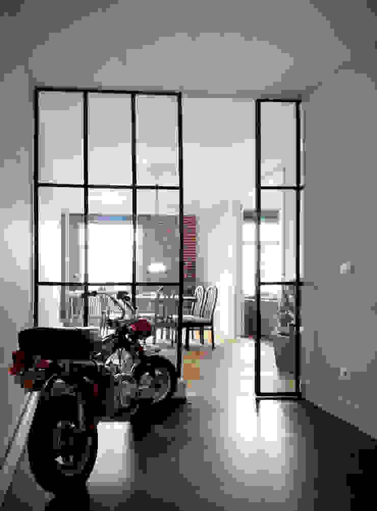 Appartement G. Maisons industrielles par Design Parel Industriel