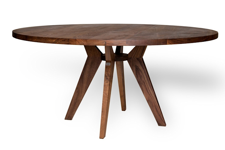 Mr. BowTie ronde eettafel D. 160 x H. 76 cm: modern  door Masshiro, Modern
