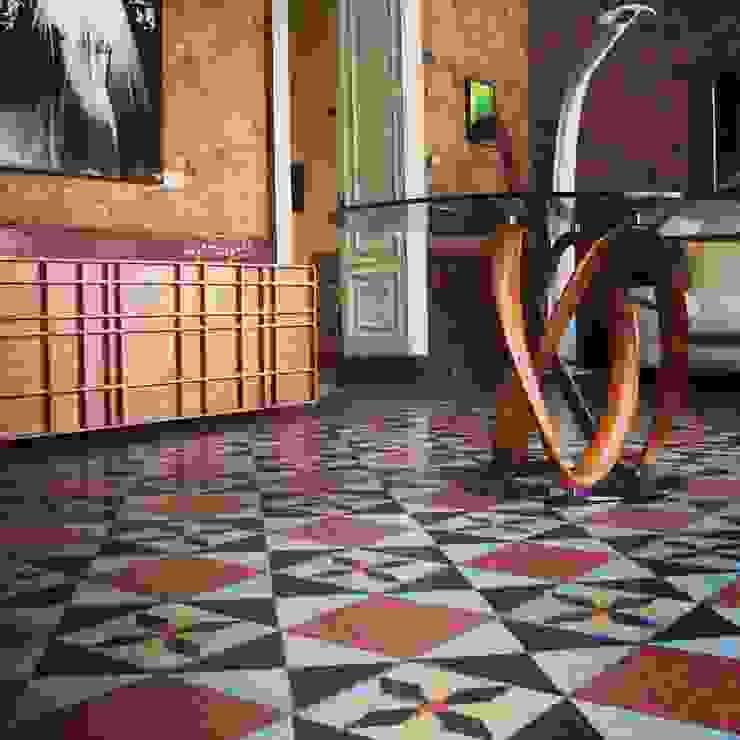 Tavolo infinity di Arredi Grasso srl Moderno