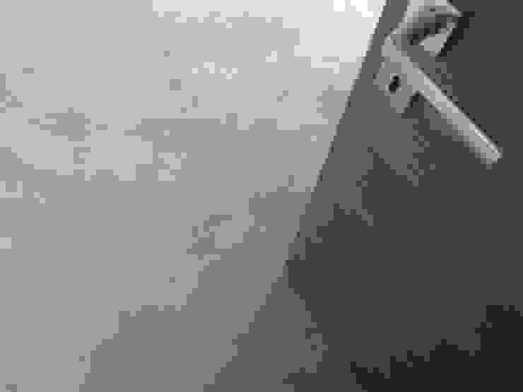 Pavimento in microcemento spatolato Pavimento Moderno Pareti & PavimentiRivestimenti pareti & Pavimenti