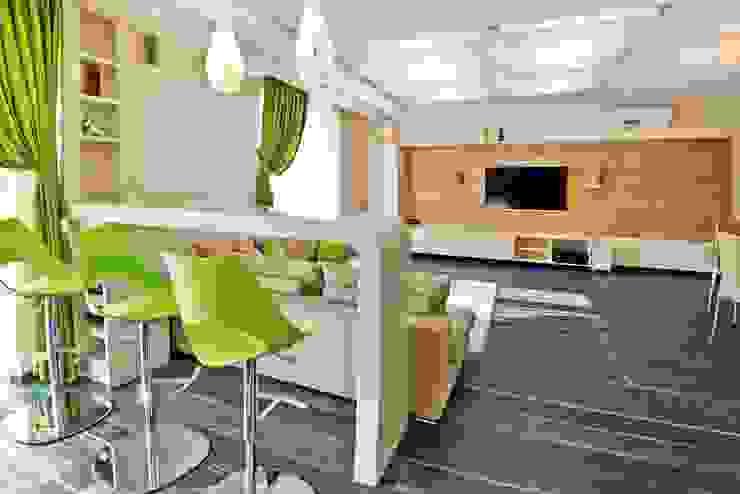 Квартира в Эко стиле Гостиные в эклектичном стиле от Студия дизайна Эклектичный
