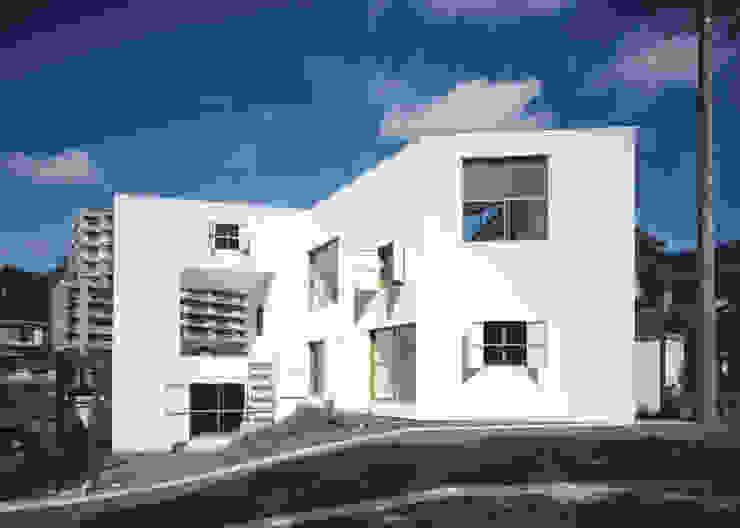 透明な地形 ミニマルな 家 の 南川祐輝建築事務所 ミニマル