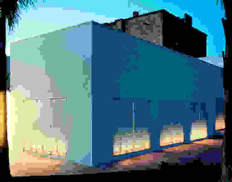 CASA PUGLIA Ingresso, Corridoio & Scale in stile mediterraneo di Peter Pichler Architecture Mediterraneo