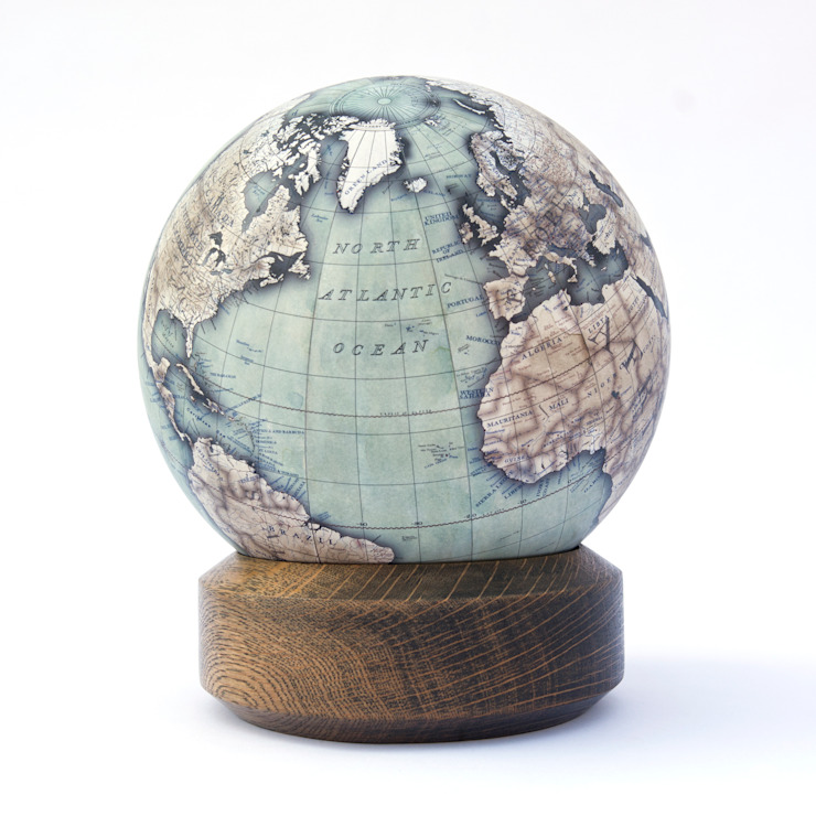 Turquoise Mini Desk Globe de Bellerby and Co Globemakers Moderno