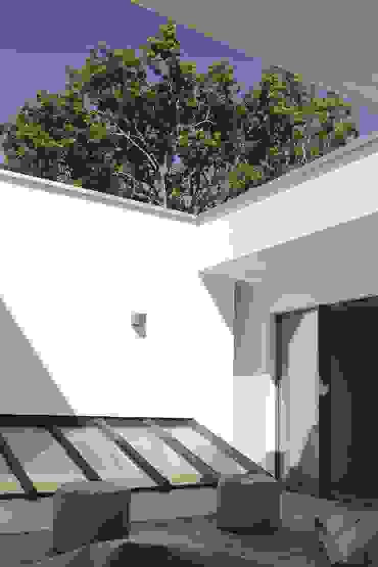 Maison neuve à Biarritz Balcon, Veranda & Terrasse modernes par Atelier d'Architecture Christophe Létot Moderne