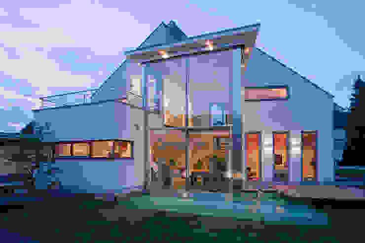 Blick auf die Südseite aaw Architektenbüro Arno Weirich Moderne Häuser