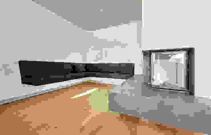 Ferienhaus mit Holzfassade Moderne Wohnzimmer von Möhring Architekten Modern
