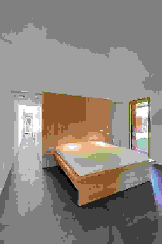 Modern style bedroom by Möhring Architekten Modern