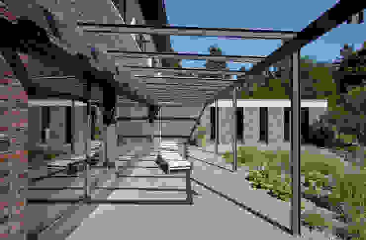 Modern terrace by Möhring Architekten Modern