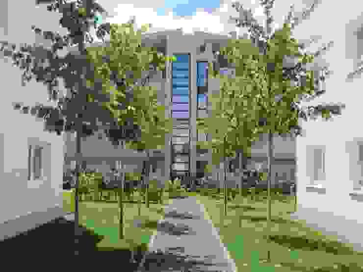Blick auf den Panoramaaufzug Moderne Häuser von aaw Architektenbüro Arno Weirich Modern