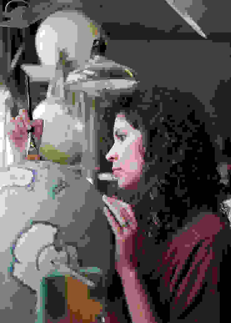 Livingstone being painted by Bellerby Globemakers: modern  by Bellerby and Co Globemakers, Modern
