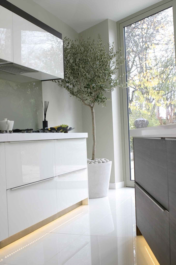 T-Space Design & Build Modern kitchen by T-Space Architects Modern