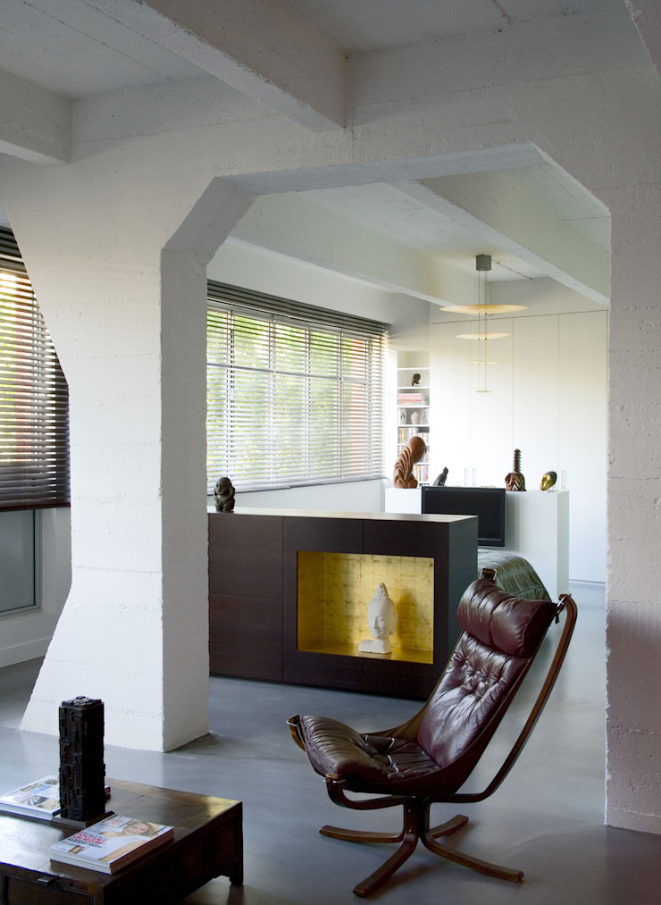 LOFT 19—PARIS XIX Industrial style bedroom by Agence d'architecture Odile Veillon / ARCHI-V.O Industrial