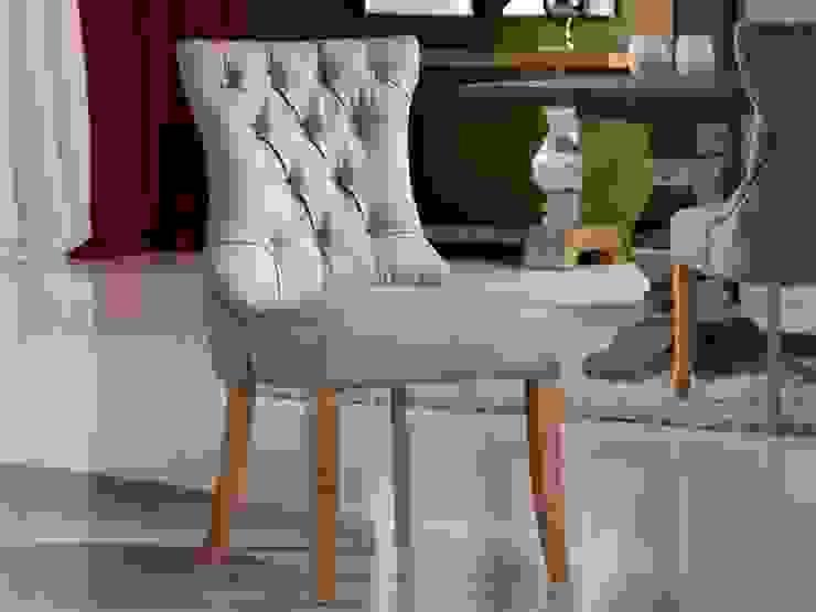 Silla clásica capitoné Antica lino de Ámbar Muebles Clásico