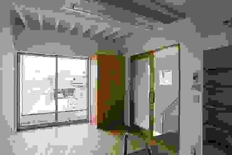 by 家山真建築研究室 Makoto Ieyama Architect Office Eclectic