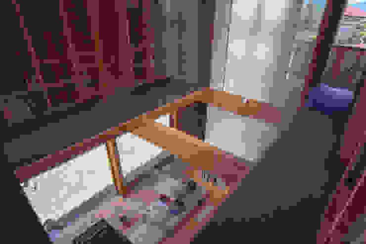 ガラス作家のアトリエ|明快な構造体と限定された開口部による光の小空間 オリジナルな 家 の 家山真建築研究室 Makoto Ieyama Architect Office オリジナル