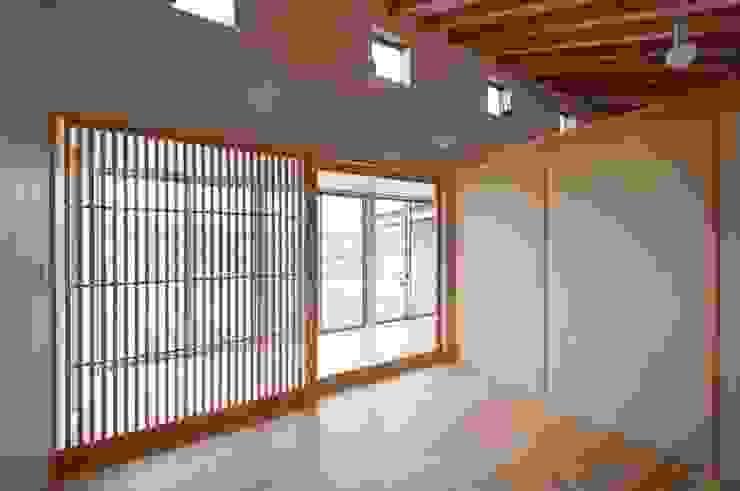 リビング オリジナルデザインの リビング の 家山真建築研究室 Makoto Ieyama Architect Office オリジナル