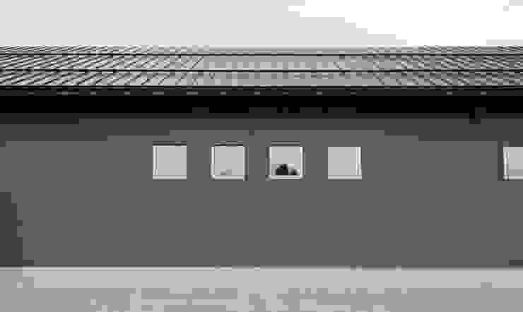 外壁 オリジナルな 家 の 家山真建築研究室 Makoto Ieyama Architect Office オリジナル