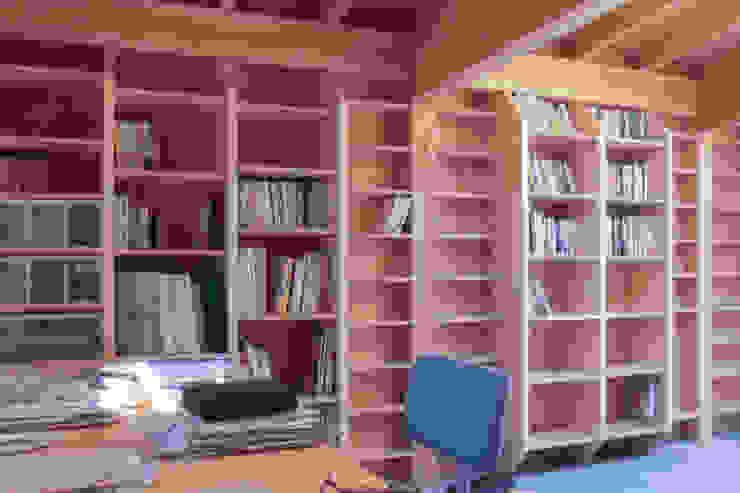 2階書斎 オリジナルな 家 の 家山真建築研究室 Makoto Ieyama Architect Office オリジナル