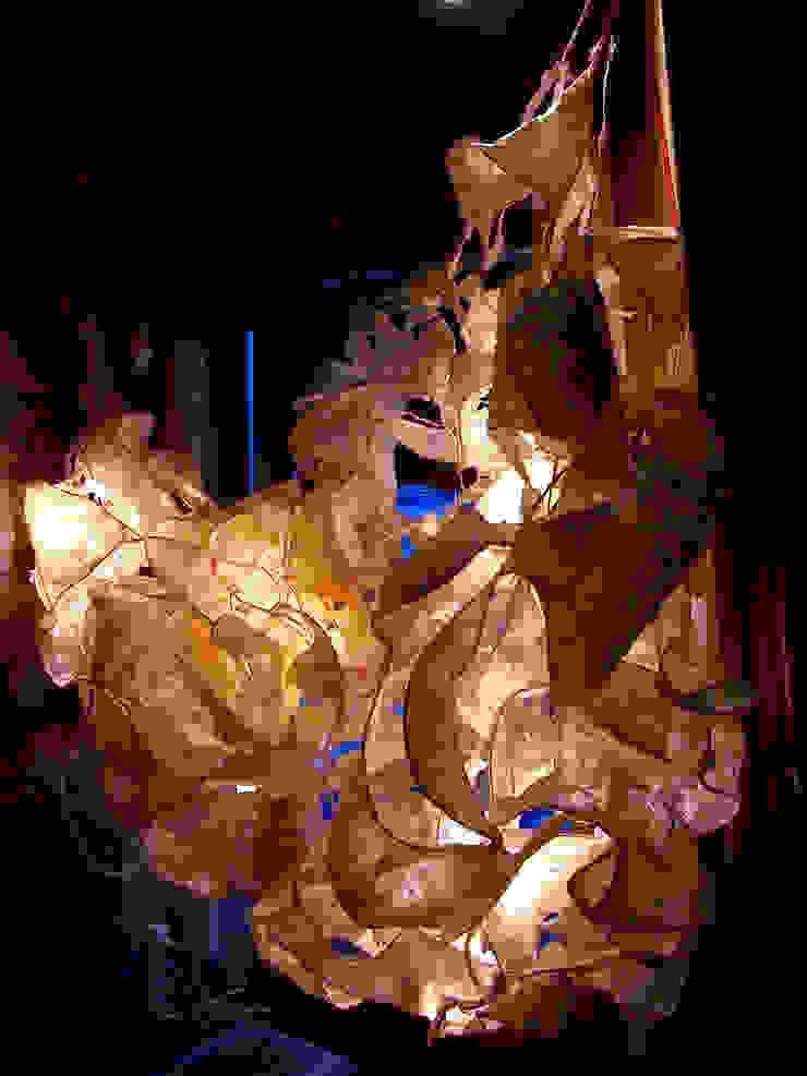 Structure lumineuse floral par Decibel Design Éclectique