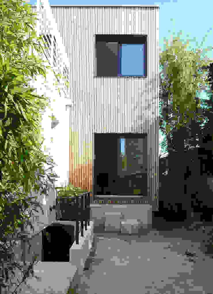 HOUSE—near PARIS Modern Houses by Agence d'architecture Odile Veillon / ARCHI-V.O Modern