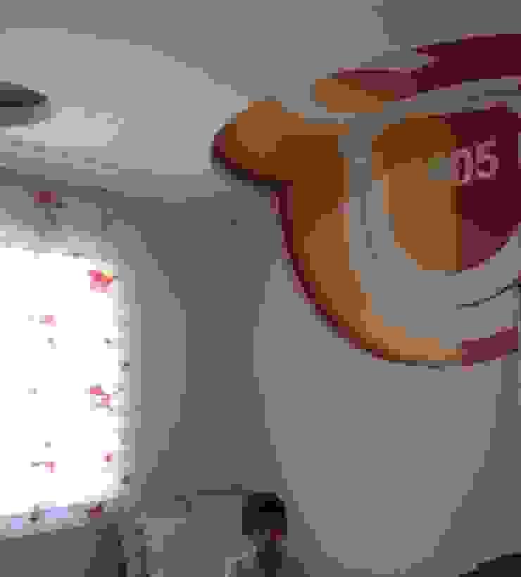 MUNGAN INTERIOR DESIGN Moderne Schlafzimmer