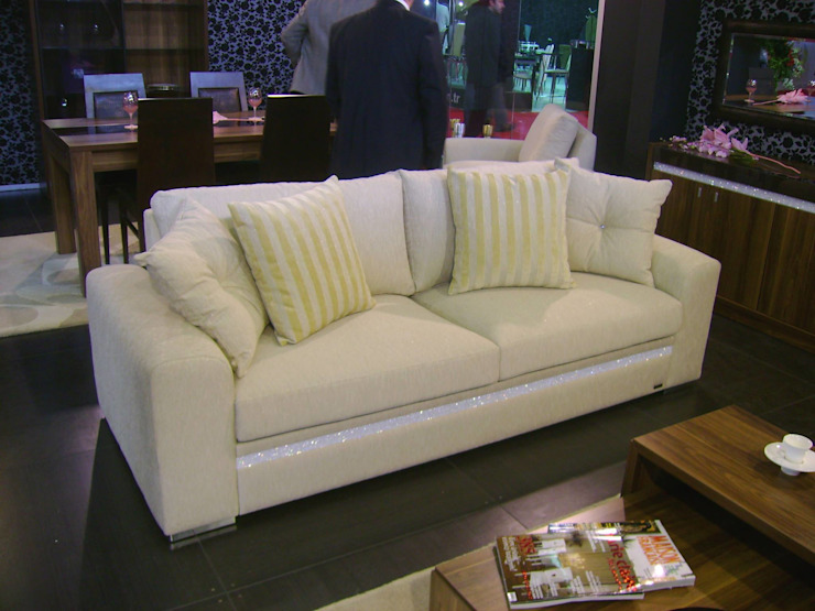 MUNGAN INTERIOR DESIGN Living roomSofas & armchairs