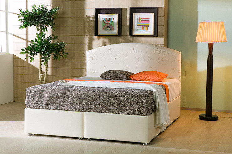 MUNGAN INTERIOR DESIGN BedroomBeds & headboards