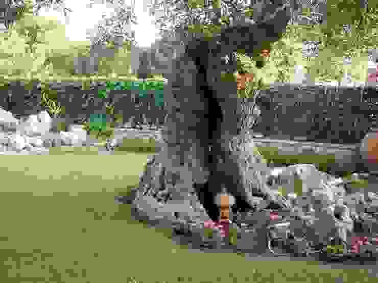 Mediterranean style garden by MELLOGIARDINI EXTERIOR DESIGNERS Mediterranean