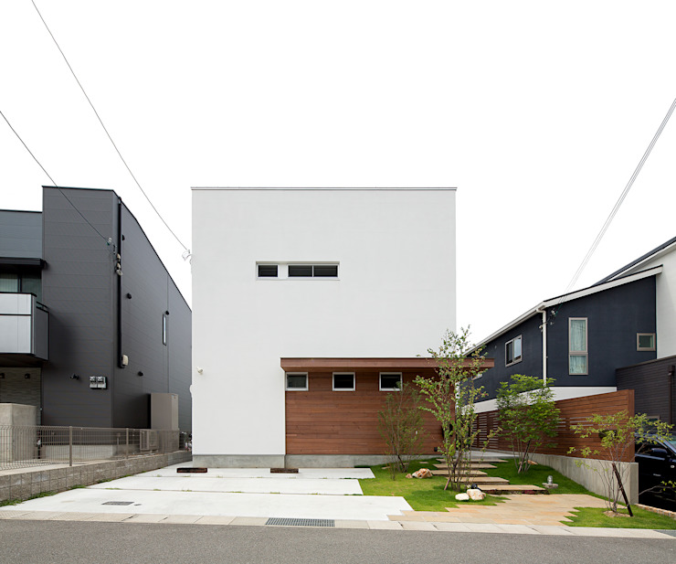 Modern home by ラブデザインホームズ/LOVE DESIGN HOMES Modern