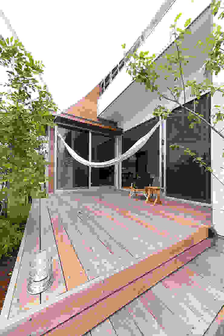 心地良いスキップハウス モダンな 家 の ラブデザインホームズ/LOVE DESIGN HOMES モダン