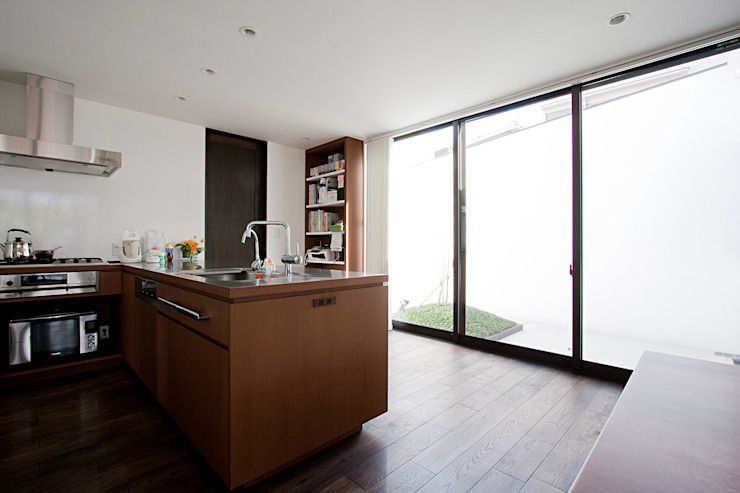 Rumah Modern Oleh ラブデザインホームズ/LOVE DESIGN HOMES Modern