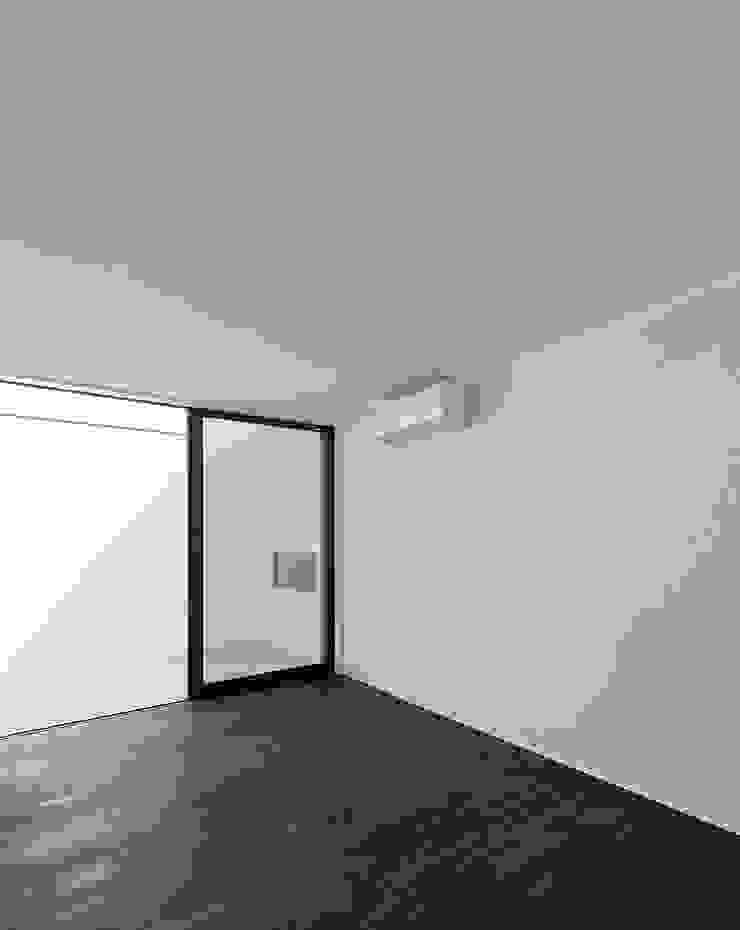 Casas modernas: Ideas, imágenes y decoración de ラブデザインホームズ/LOVE DESIGN HOMES Moderno