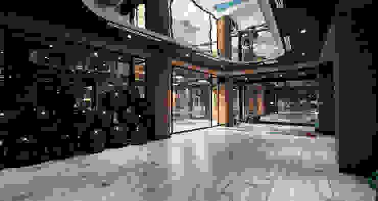 7/24 Fitness &Spa Loca Studio 모던스타일 피트니스 룸 by homify 모던