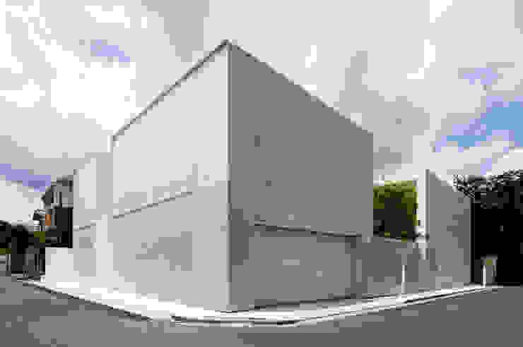 Minimalistische Häuser von YUCCA design Minimalistisch