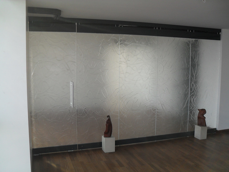 YBM Tasarım Dekoratif Cam Paneller – Kayar Toplanır Paneller: modern tarz , Modern Cam