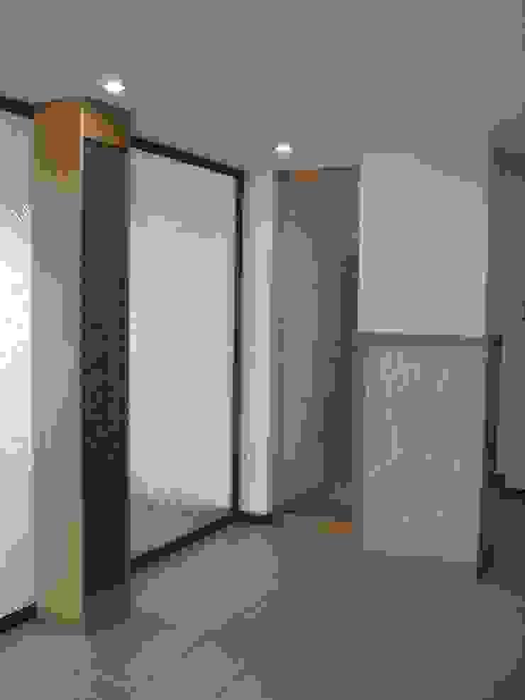 YBM Tasarım Dekoratif Cam Paneller – Kolon Kaplamaları: modern tarz , Modern Cam