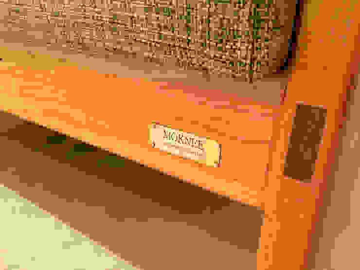CHERRY SOFA: MOKNEE의 현대 ,모던