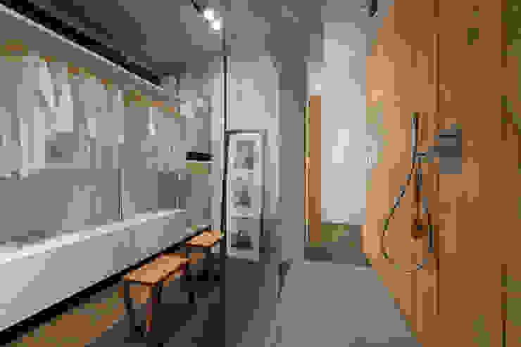 Modern bathroom by Forme per Interni Modern