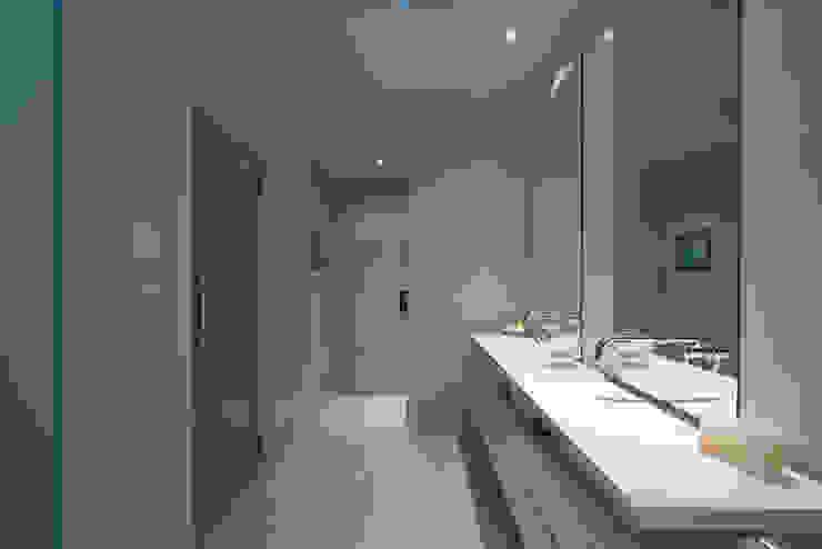 Modern Living Home – Canberra – Australia Bagno moderno di Ceramiche Coem Moderno