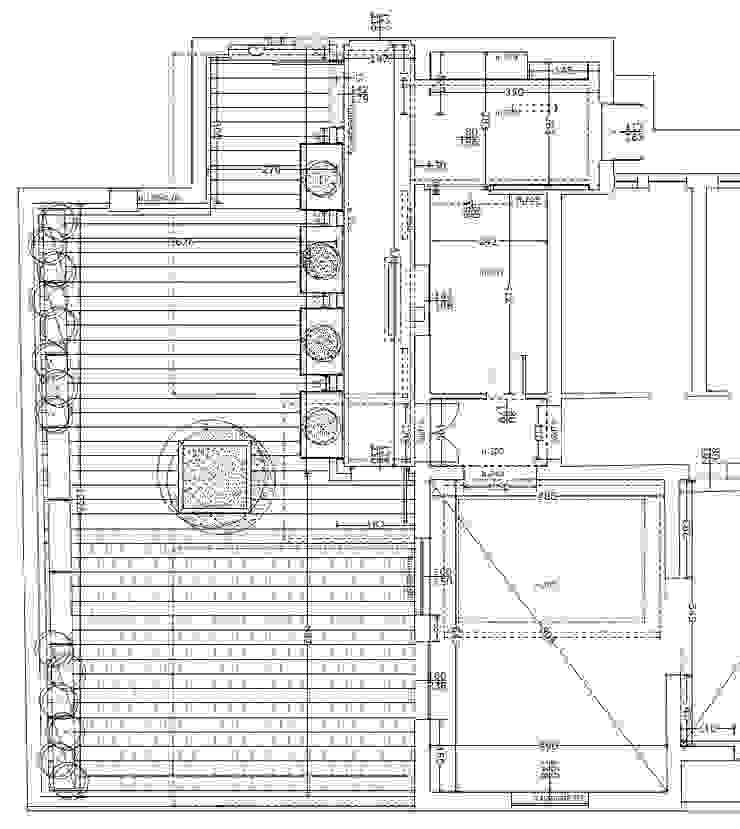 Terrazzo in Piazza Tre Martiri a Rimini di Paolo Briolini Architettura Minimalista