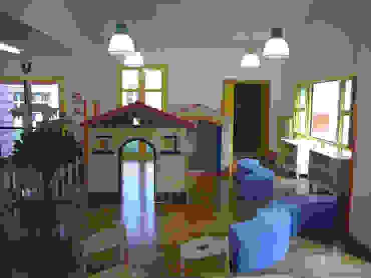Aule spazio per il gioco Scuole moderne di Studio Capannini Architetti Moderno