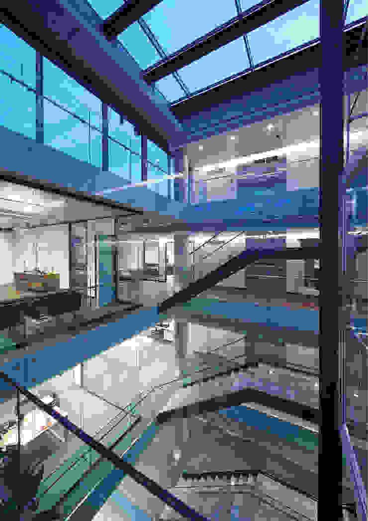 AVCIARCHITECTS_08_STAIRS Modern Koridor, Hol & Merdivenler Avci Architects Modern