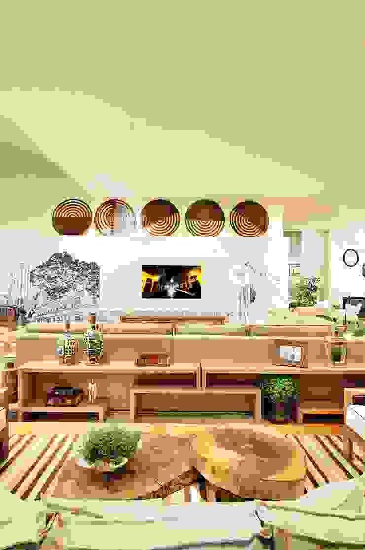 Casas de estilo ecléctico de Adriana Scartaris: Design e Interiores em São Paulo Ecléctico