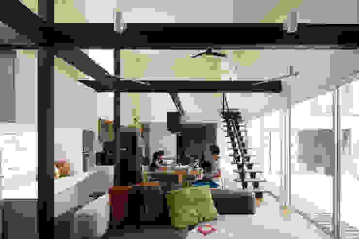 ダイニング: 花田設計事務所が手掛けた現代のです。,モダン