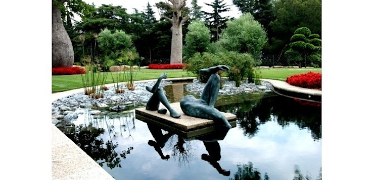 Naturalized pool Modern Garden by FG ARQUITECTES Modern
