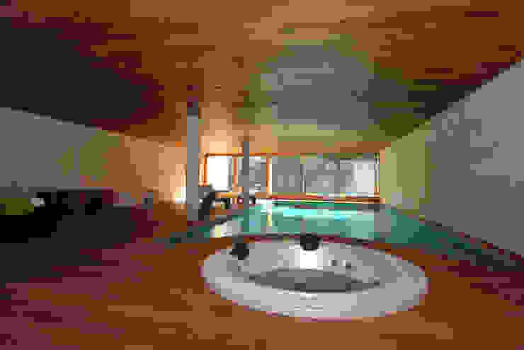 Piscina interior Piscinas de estilo moderno de FG ARQUITECTES Moderno