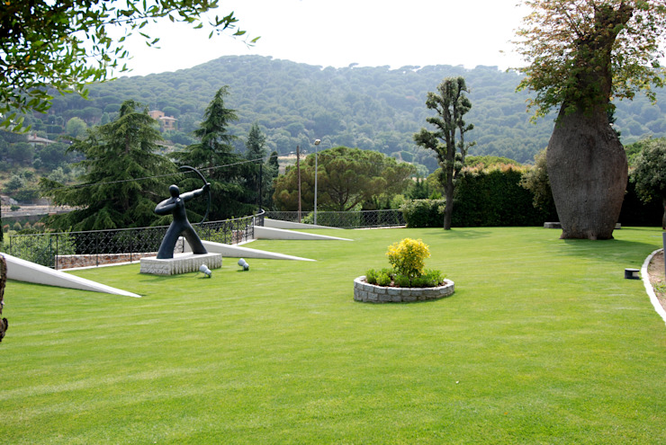 Garage garden-roof Modern Garden by FG ARQUITECTES Modern
